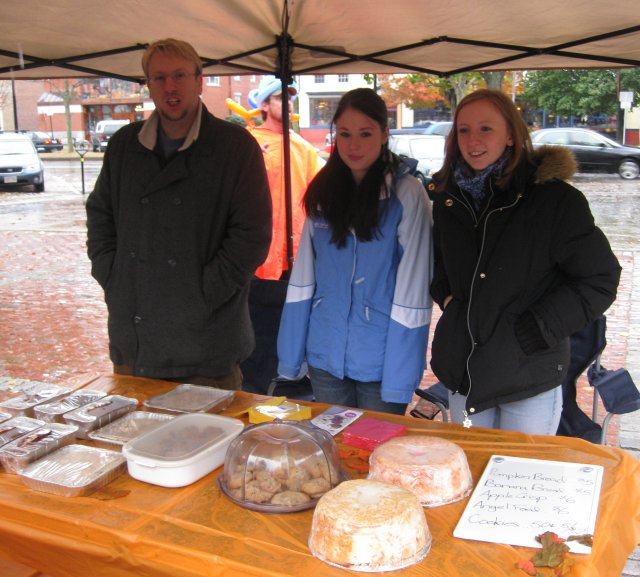 Jenn & friends sell baked goods